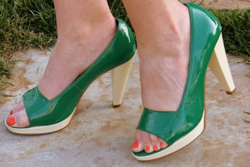 kelly green pumps
